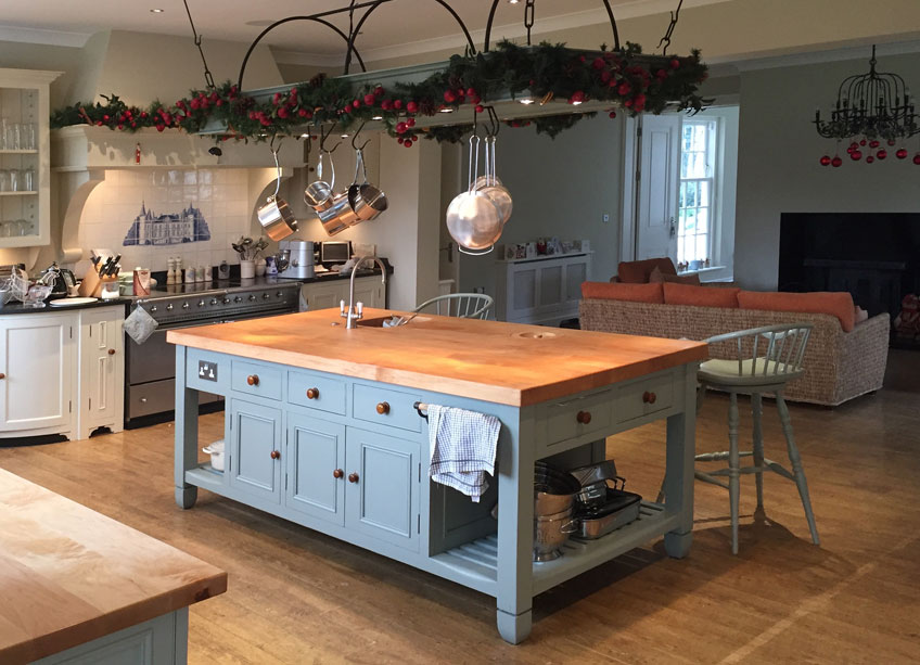 Hollands Finishes Painted cabinets and furniture